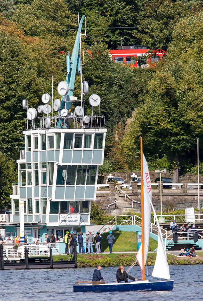 JT-170916-200 | Der Baldeneysee in Essen, Regattaturm,