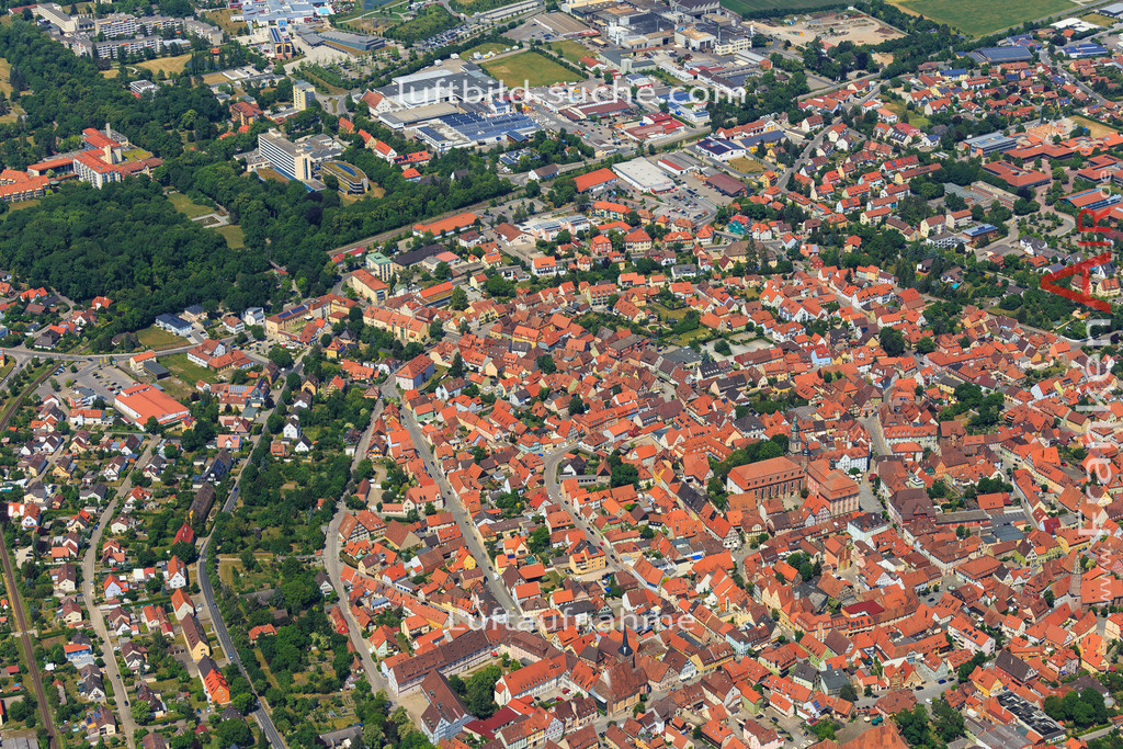 bad-windsheim-2015-1614 | Luftbild von  Bad-windsheim - Luftaufnahme wurde 2015 von https://frankenair.de mittels Flugzeug (keine Drohne) erstellt - die Geschenkidee