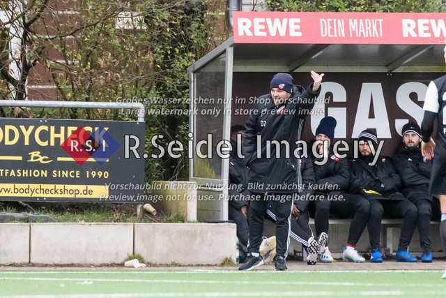 Fußball, Herren, Mercado Cup 2020, TSV Sasel (Oberliga) - FC Teutonia Ottensen 05 (Oberliga), Sportplatz Kreuzkirche, 02.02.2020 | Sasel Coach Daniel Mark Zankl