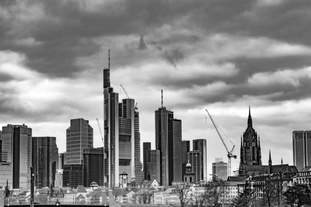 skyline 2 in frankfurt sw
