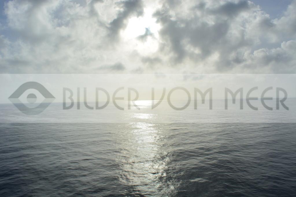 Bilder Sonne vom Meer   Sonne vor Ibiza auf hoher See