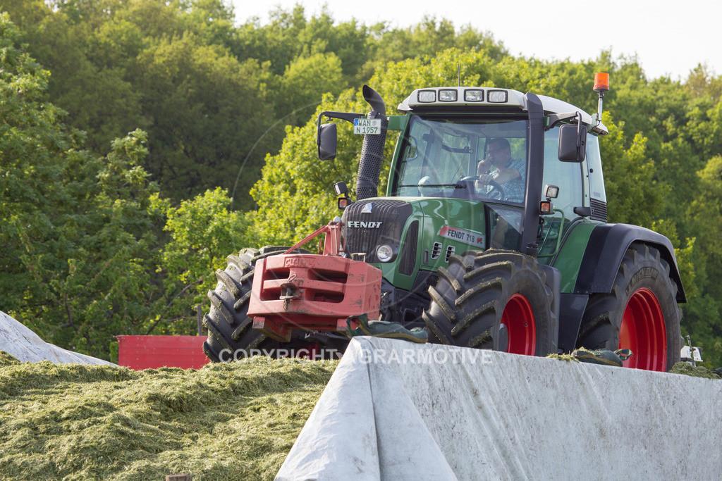 20150511-IMG_1487   Gras silieren - AGRARMOTIVE Bilder aus der Landwirtschaft