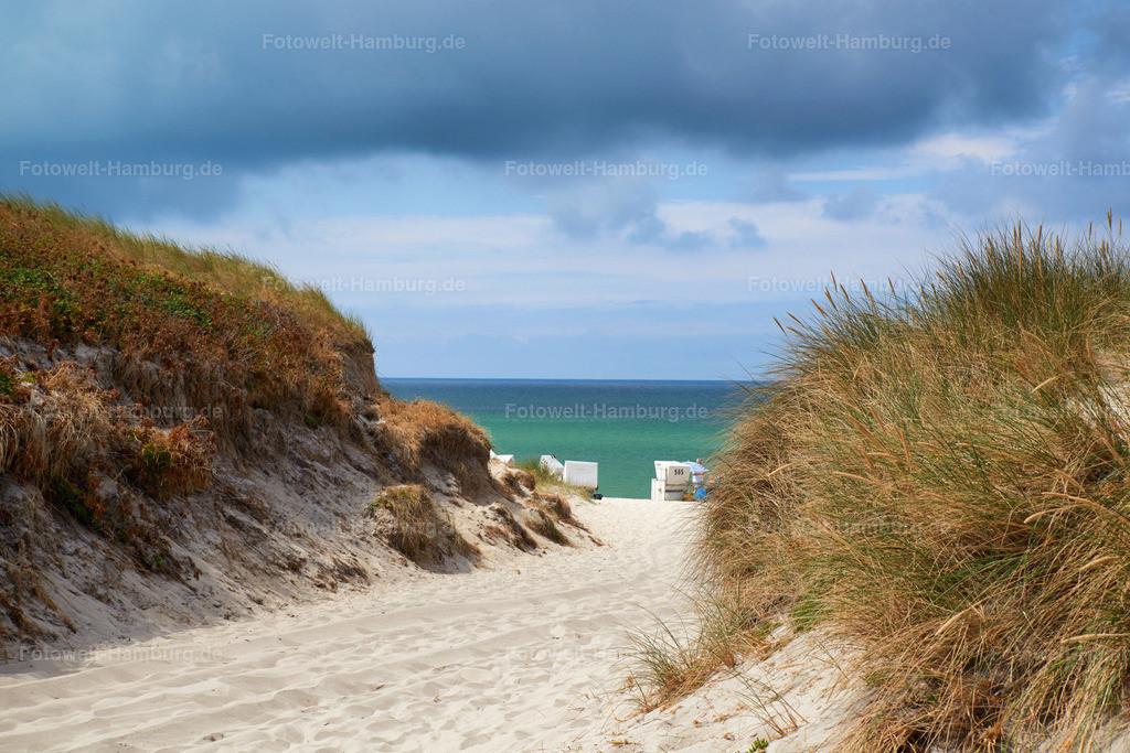 10180804 - Strand bei Hörnum | Blick durch die Dünen auf die Nordsee.