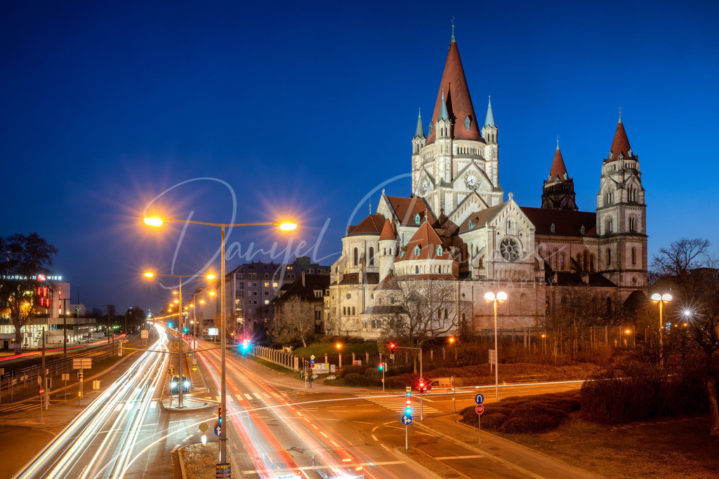 Franz von Assisi Kirche | Die mystische Franz von Assisi Kirche in Wien