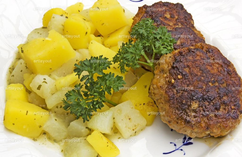 Kohlrabi-Kartoffelgemüse mit Frikadellen | Kohlrabi-Kartoffelgemüse mit Frikadellen, hessische Hausmannskost