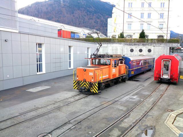 RhB Ge 3/3 215 | Die Rangierlok steht im Depot Chur.
