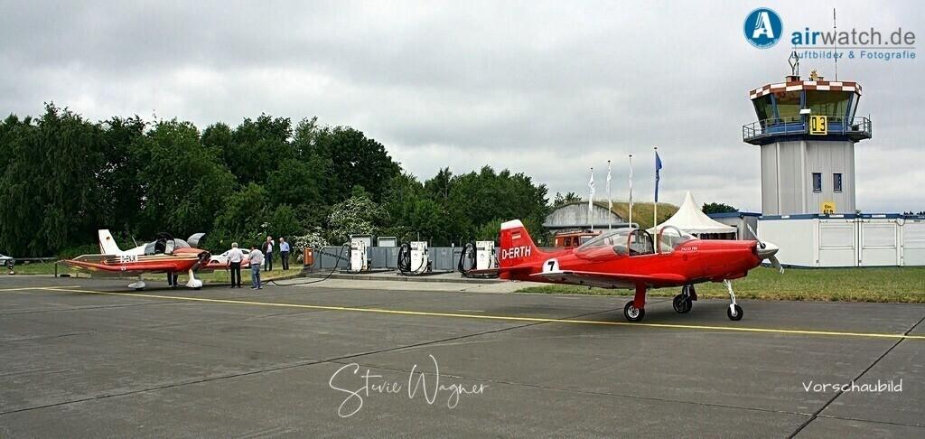Flughafen Husum, Falco F8L | Flughafen Husum, Falco F8L • max. 4272 x 2848 pix