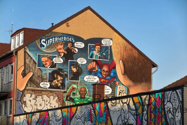 Superheros | Eines der vier Wandbilder des Projektes