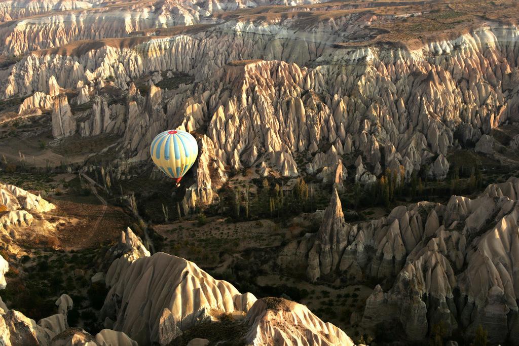 Heissluftballon Flug ueber Kappadokien | Tuerkei, Kappadokien, Fahrt, Flug mit dem Heissluftballon ueber Kappadokien,