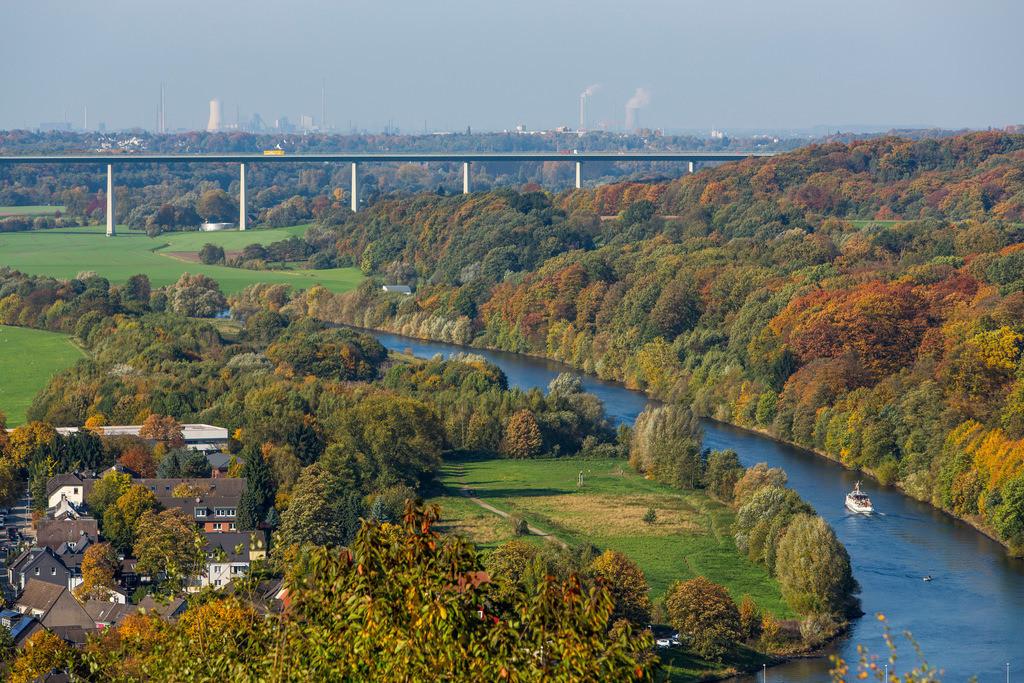 JT-131022-5977_1 | Essen-Kettwig, südlichster Stadtteil, an der Ruhr, Ruhrtalbrücke, Autobahn 52, Ausflugsschiff der Weissen Flotte