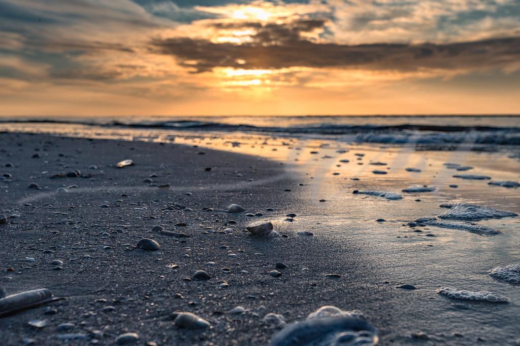 Die Sonne hat sich hinter den Wolken versteckt | Am Strand in Sankt Peter-Ording