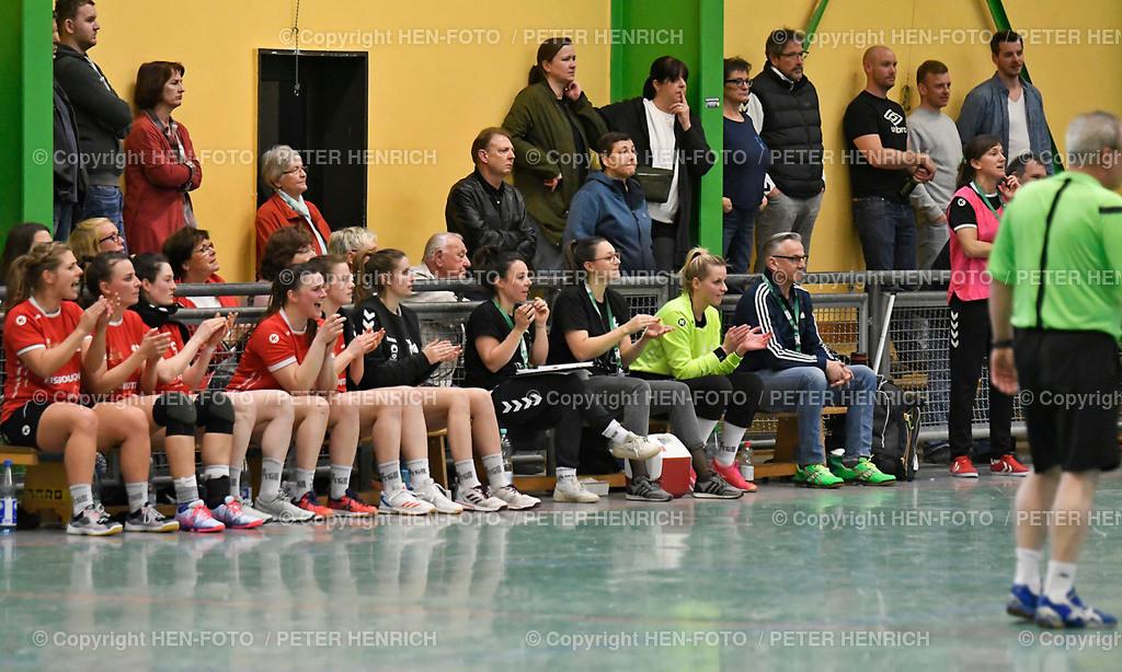 Handball Landesliga Frauen TSV Pfungstadt - TGB Darmstadt (22:30) 20190323 - copyright HEN-FOTO (Peter Henrich)   Handball Landesliga Frauen TSV Pfungstadt - TGB Darmstadt (22:30) 20190323 Anfeuerung von der TGB Bank copyright HEN-FOTO (Peter Henrich)
