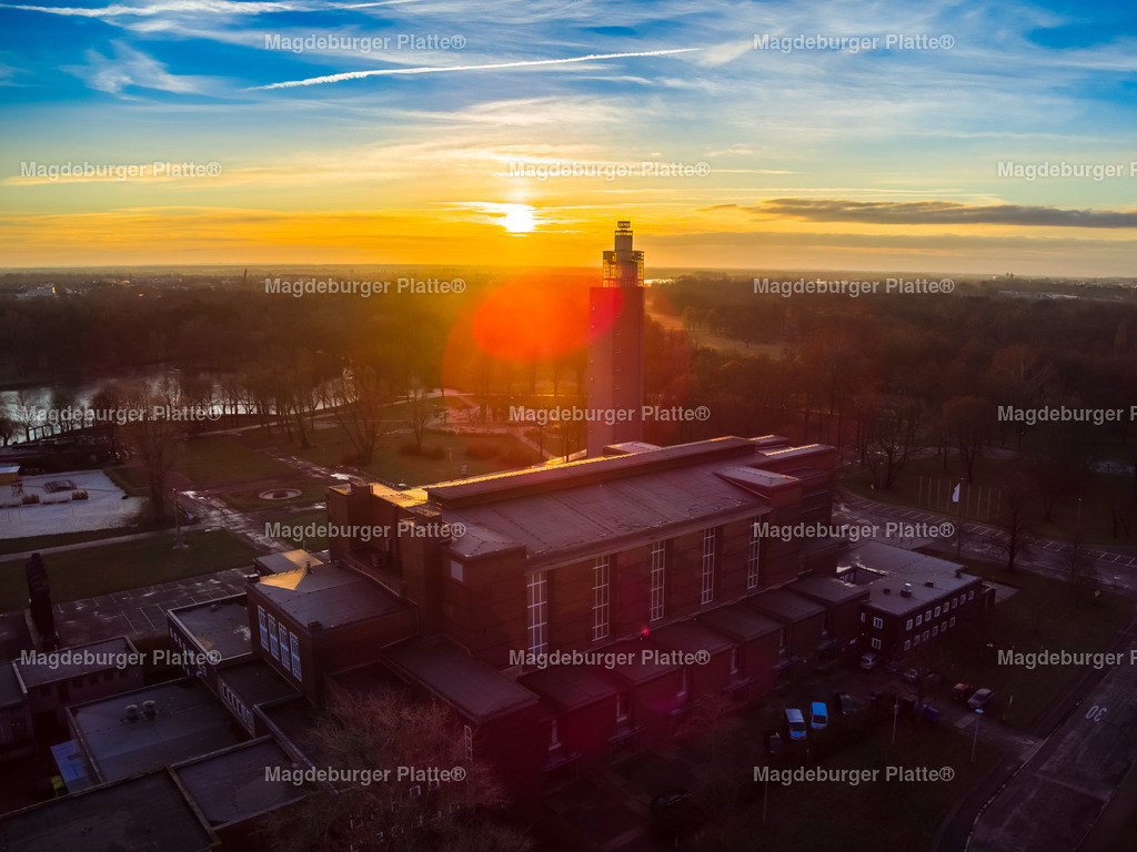 Magdeburg Stadthalle Sonnenaufgang-