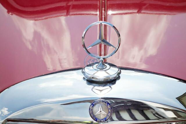Mercedes Benz 170 Detail Motorhaube mit verchromtem Mercedes-Stern | DEU, Deutschland, Allgäu, 30.06.2013, Mercedes Benz 170 Detail Motorhaube mit verchromtem Mercedes-Stern ©2013 Christoph Hermann Bild-Kunst Urheber 707707