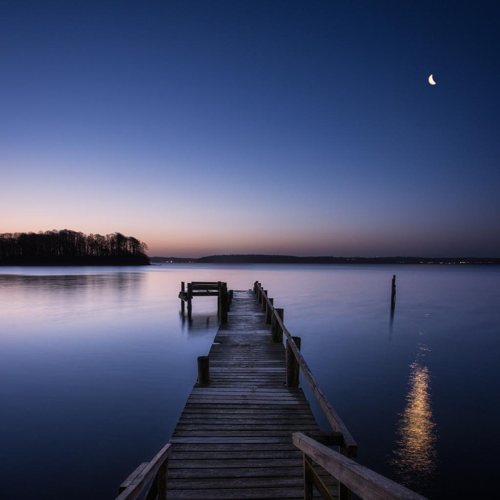 Blue Moon | Morgendämmerung an den Ochseninseln in der Flensburger Förde