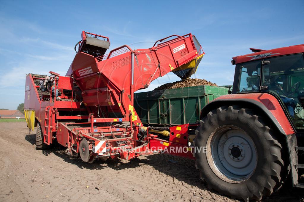 20110929-IMG_5870 | Ernte auf einem Kartoffelfeld - AGRARBILDER