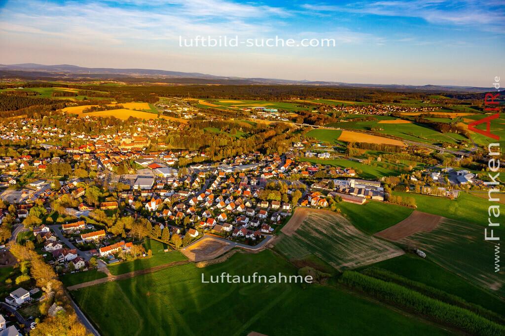 thurnau-18-203   aktuelles Luftbild von  Thurnau - Luftaufnahme wurde 2018 von https://frankenair.de mittels Flugzeug (keine Drohne) erstellt.