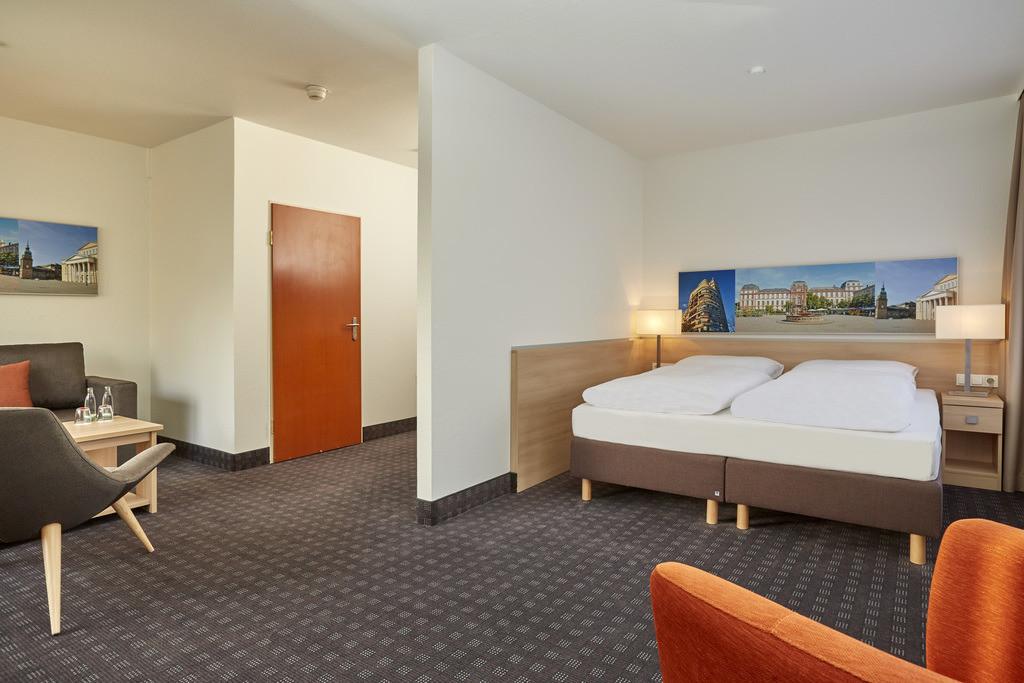 zimmer-suite-09-hplus-hotel-darmstadt