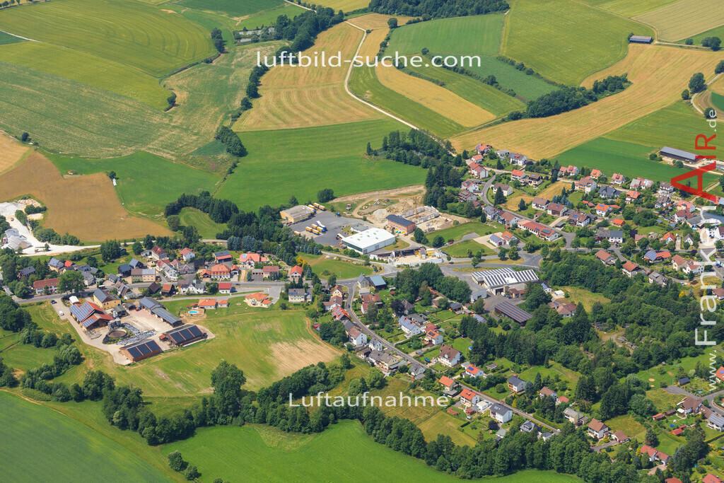 schoenbrunn-wunsiedel-2016-248   Luftbild von Schoenbrunn Wunsiedel - Luftaufnahme wurde 2016 von https://frankenair.de mittels Flugzeug (keine Drohne) erstellt - die Geschenkidee