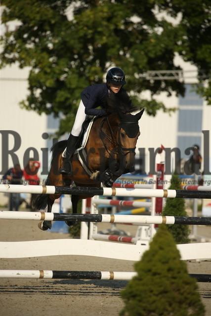 Rot am See_2021_Ponyspringprüfung_Kl.M_Cecilia Huttrop-Hage_Caramello 33 (2)