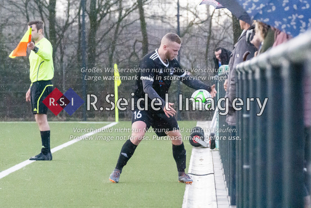 Fußball, Herren, Kreisliga 3, ETSV Hamburg II - SC Vier- und Marschlande III., Mittlerer Landweg, 01.03.2020   Marcel Matteus Tymorek (#16, ETSV)