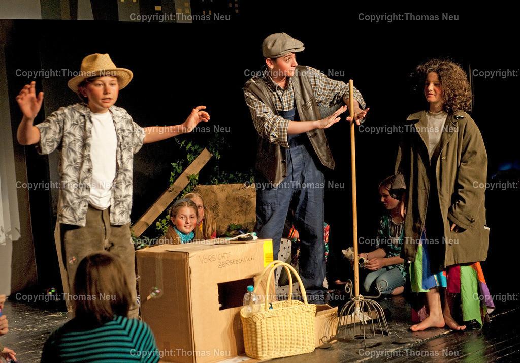 Momo | 1506,,Goethegaymnasium-Theater Mobile,Momo.Bild: Thomas Neu