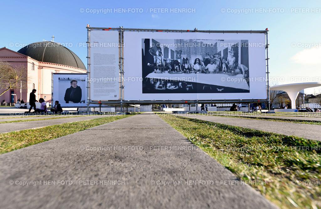 Unwort des Jahres Bilder Ausstellung - copyright by HEN-FOTO   Unwort des Jahres Bilder Ausstellung outdoor vor dem Staatstheater Darmstadt - copyright by HEN-FOTO Peter Henrich