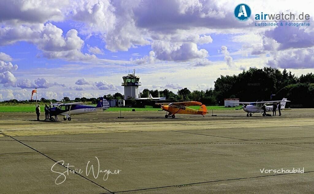Flughafen Husum, Elster-B, Piper L 18, Cessna 172 | Flughafen Husum, Elster-B, Piper L 18, Cessna 172 • max. 6240 x 4160 pix