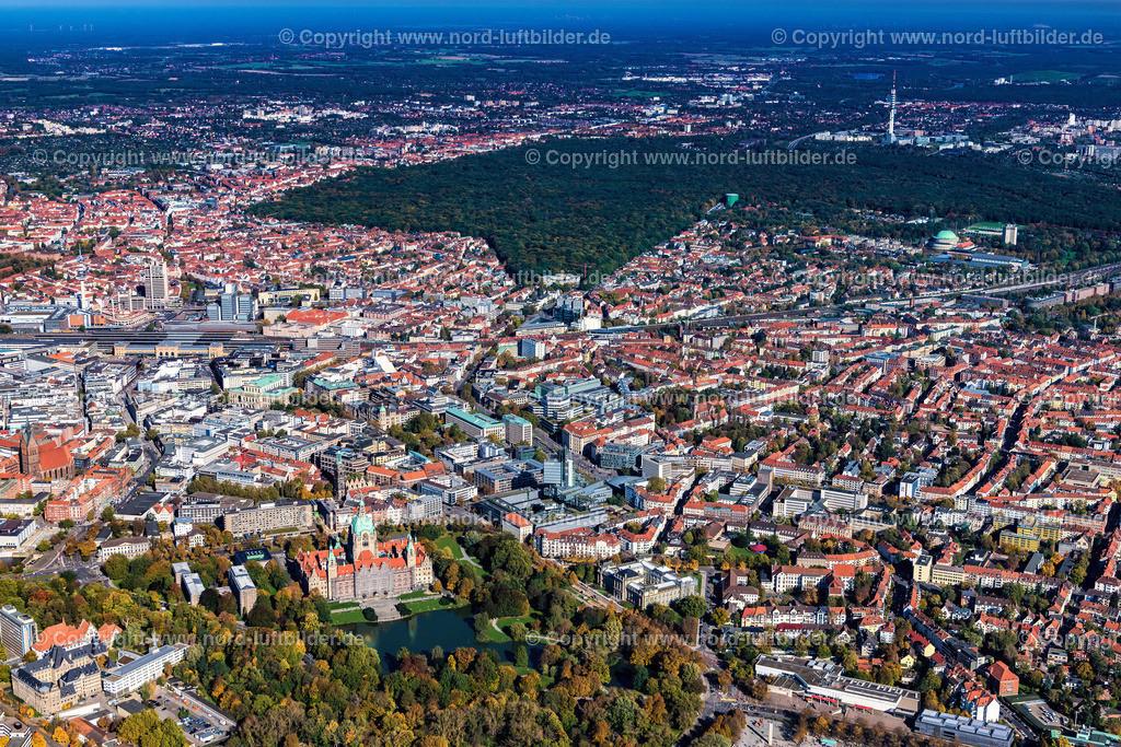Hannover_Südstadt-Eilenriede_Oststadt_ELS_6545151017 | Hannover - Aufnahmedatum: 15.10.2017, Aufnahmehöhe: 636 m, Koordinaten: N52°21.332' - E9°43.573', Bildgröße: 7914 x  5276 Pixel - Copyright 2017 by Martin Elsen, Kontakt: Tel.: +49 157 74581206, E-Mail: info@schoenes-foto.de  Schlagwörter:Hannover,Südstadt,Luftbild, Luftbilder, Deutschland