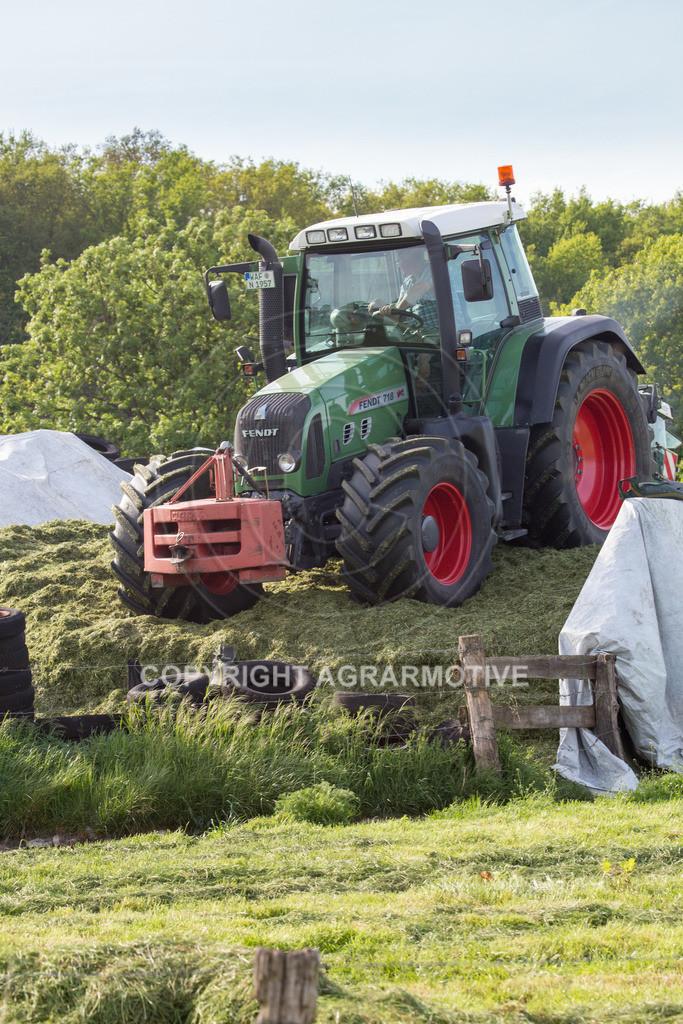 20150511-IMG_1489 | Gras silieren - AGRARMOTIVE Bilder aus der Landwirtschaft