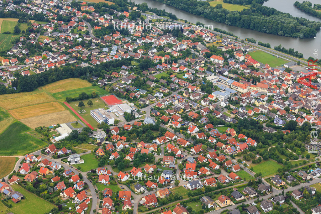 luftbild-bischberg-2016-7333 | Luftbild von  Bischberg - Luftaufnahme wurde 2016 von https://frankenair.de mittels Flugzeug (keine Drohne) erstellt - die Geschenkidee