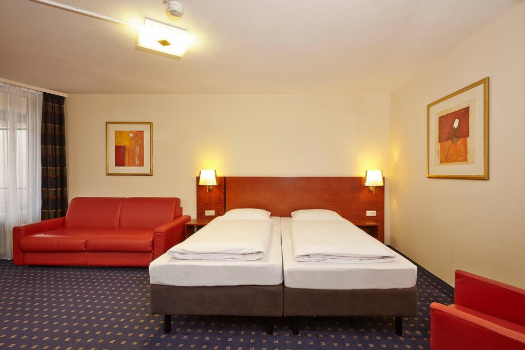 zimmer-jr-suite-08-hplus-hotel-goslar