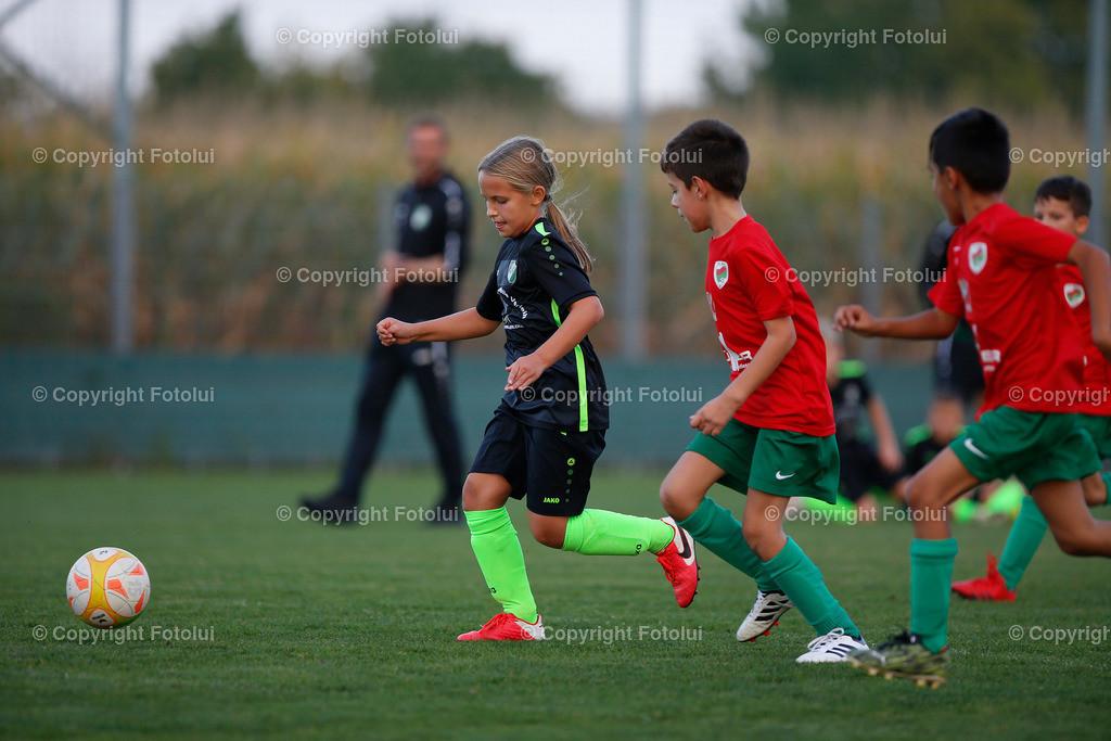 A_LUI27092021_41 | SPORT,FUSSBALL, FC WELS_SC HOERSCHING U 9 27.09.2021 IM BILD: SCHWARZ (HOERSCHING) UND ROT (FC WELS )FOTO:FOTOLUI