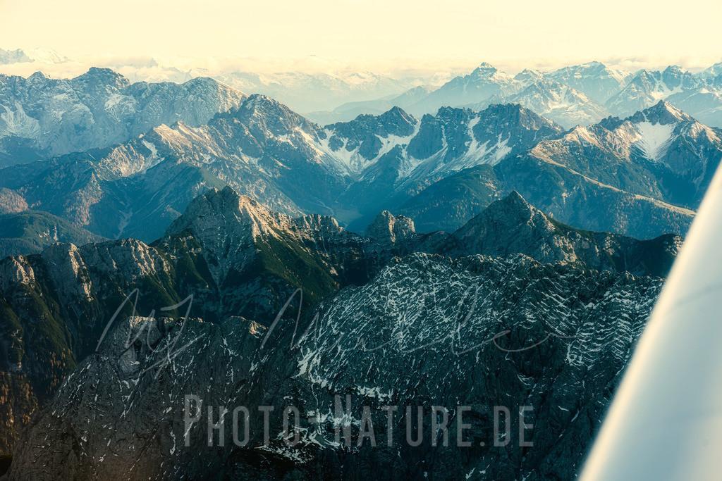 Das Wettersteingebirge   Blick auf das dramatische Wettersteingebirge