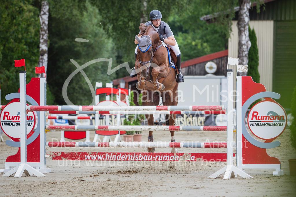 200821_Delbrück_Youngster-M-643   Delbrück Masters 2020 Springprüfung Kl. M* Youngster Springen 6-8jährige Pferde