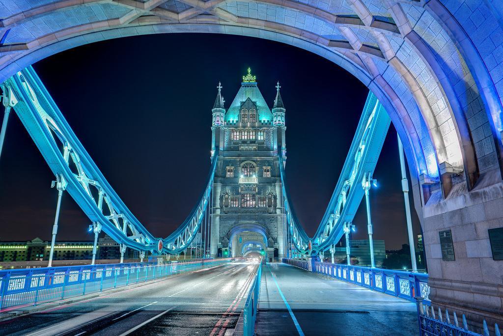 Lichter der Tower Bridge - London - HDR