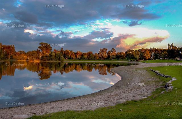 STRANDBADNEU   FT, Strandbad, Weiher;, Herbst