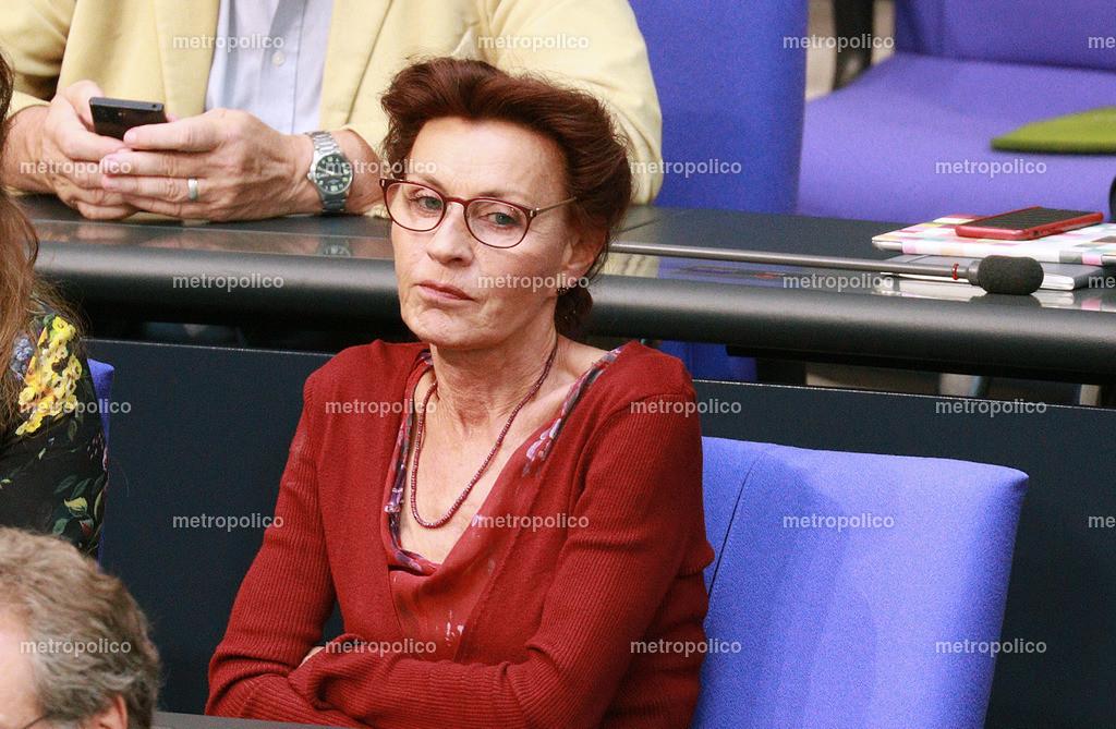 Ulla Jelpke im Bundestag (4)