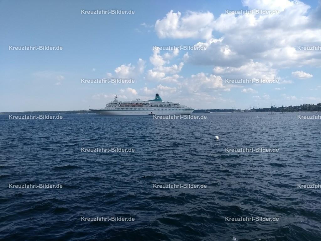 MS Albatros vor Eckernförde | MS Albatros ankert vor Eckernförde