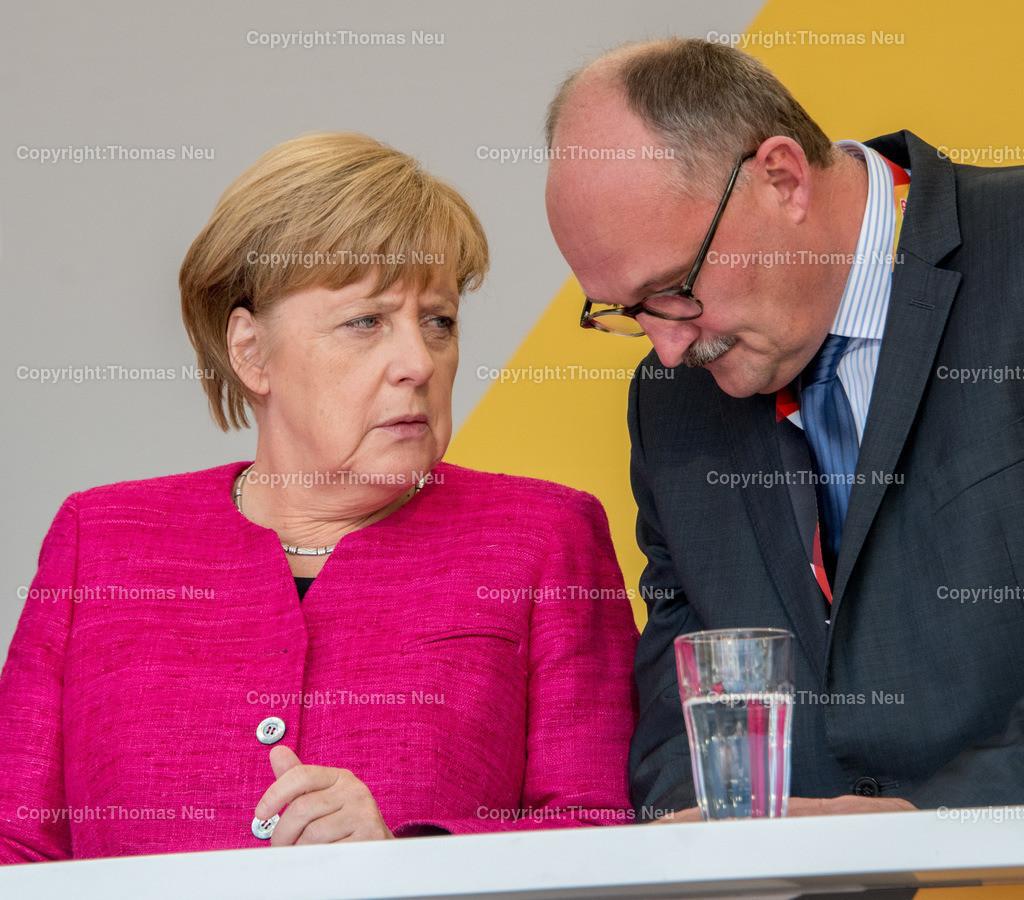 DSC_7538 | Heppenheim, Wahlveranstaltung, CDU, Angela Merkel auf dem parkhof, ,hier mit Michael meister,  ,, Bild: Thomas Neu