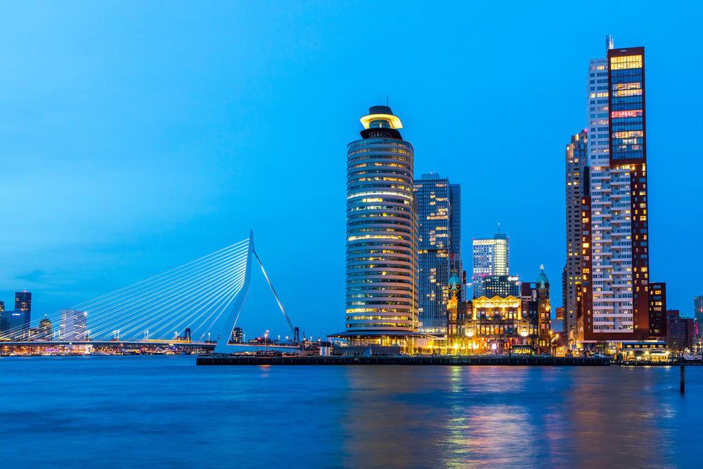 JT-180409-015 | Die Skyline von Rotterdam, an der Nieuwe Maas, Fluss, Hochhäuser am