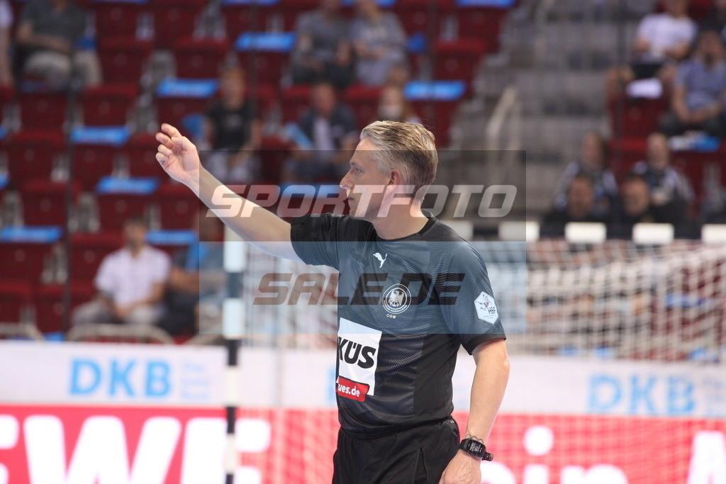 Handball Supercup | Referee - © by K-Media-Sports / Sportfoto-Sale.de