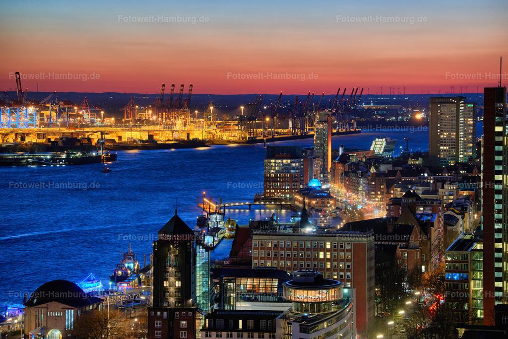 11989407 - Blick auf Hamburg bei Nacht | Spektakulärer Blick über das Hotel Hafen Hamburg Richtung Altona und den Hamburger Hafen