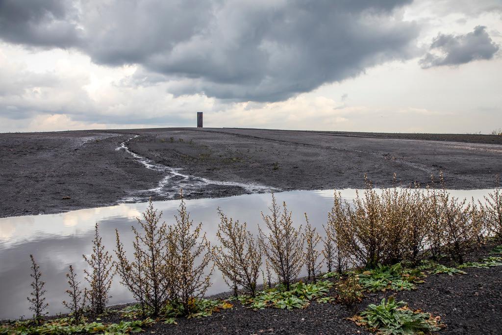 JT-171105-116   Schurenbachhalde, Kunstwerk des britischen Künstlers Richard Serra,