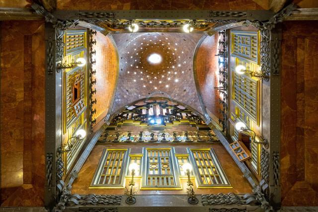 Barcelona Palau Güell Detailaufnahme Architektur Kuppel   ESP, Spanien, Barcelona, 18.01.2018, Barcelona Palau Güell Detailaufnahme Architektur Kuppel [2018 Jahr Christoph Hermann]