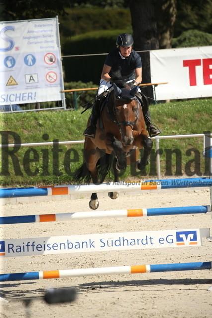 Durmersheim_2020_Amazonen-Springprfg_Kl.S_Claudia Vasall_Quadros 6 (6)