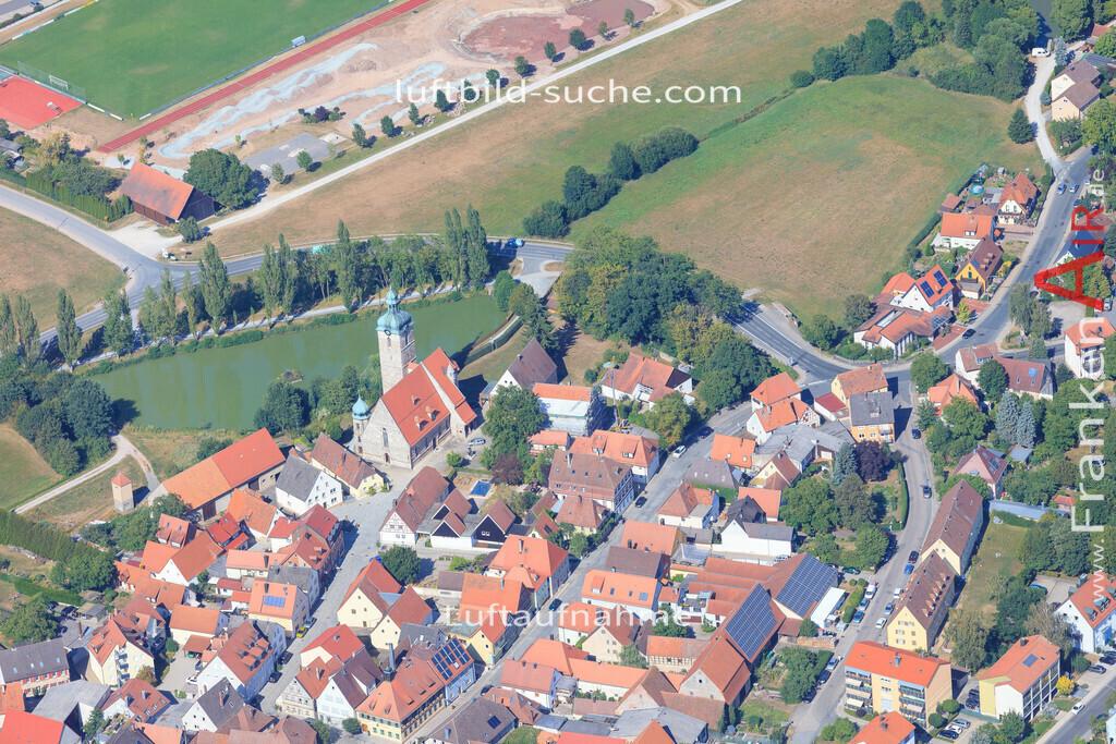 luftbild-markt-erlbach-2015-5022   Luftbild von  Markt-erlbach - Luftaufnahme wurde 2015 von https://frankenair.de mittels Flugzeug (keine Drohne) erstellt - die Geschenkidee