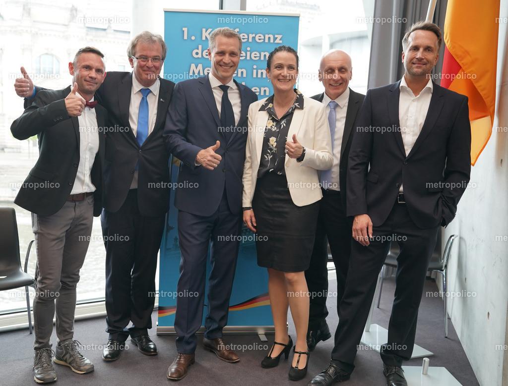 Konferenz der freien Medien im Bundestag von links nach rechts David Berger Udo Hemmelgarn Petr Bystron Nicole Höchst Uwe Schulz Ralf Höcker (4)