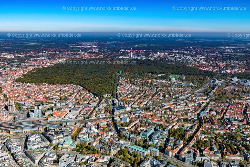 Hannover_Eilenriede_ELS_6712151017 | Hannover - Aufnahmedatum: 15.10.2017, Aufnahmehöhe: 618 m, Koordinaten: N52°21.901' - E9°43.720', Bildgröße: 7776 x  5184 Pixel - Copyright 2017 by Martin Elsen, Kontakt: Tel.: +49 157 74581206, E-Mail: info@schoenes-foto.de  Schlagwörter:Hannover,Luftbild, Luftbilder, Deutschland