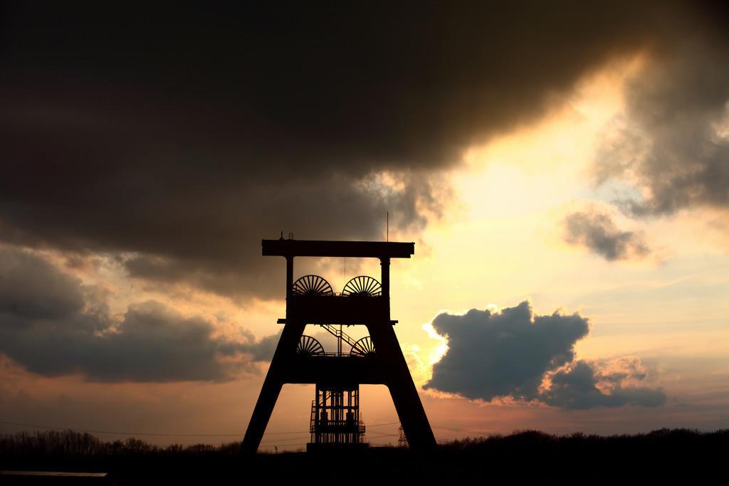 JT-120318-622 | Zeche Ewald, stillgelegtes Steinkohlen-Bergwerk.  Doppelbock Fördrgerüst Schacht 7, Herten, NRW, Deutschland,